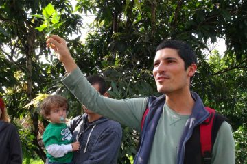 Yotan Dahan, tour guide